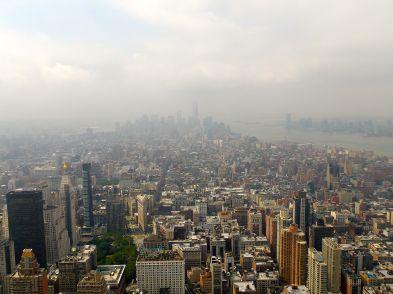 17a NY Empire state building.  Malheureusement brumeux, on distingure à peine, la nouvelle tour qui remplace les Twin